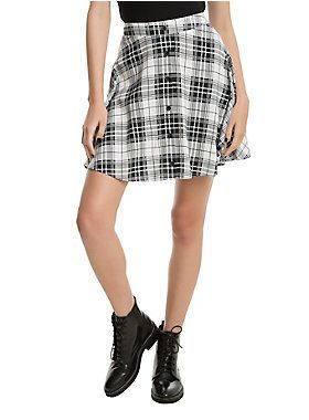 What's black 'n' white and rad all over? This plaid A-line skirt ...