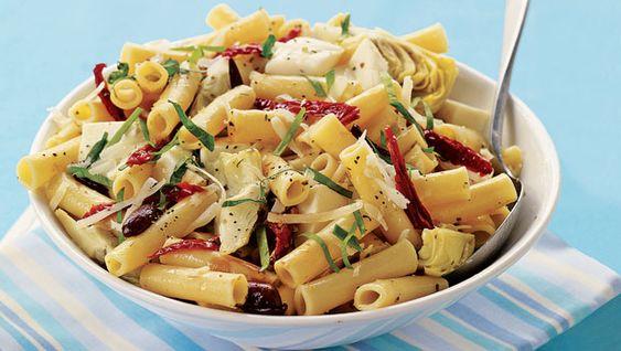 Margherita Pasta Salad - A vegetarian dish ready in 15 minutes.