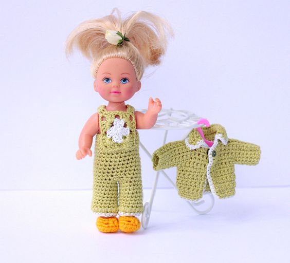 Crochet Mini Doll Clothes : Crochet clothes, Jumpsuits and Crochet on Pinterest