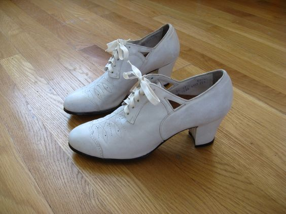 Vintage Nurse Shoes 105