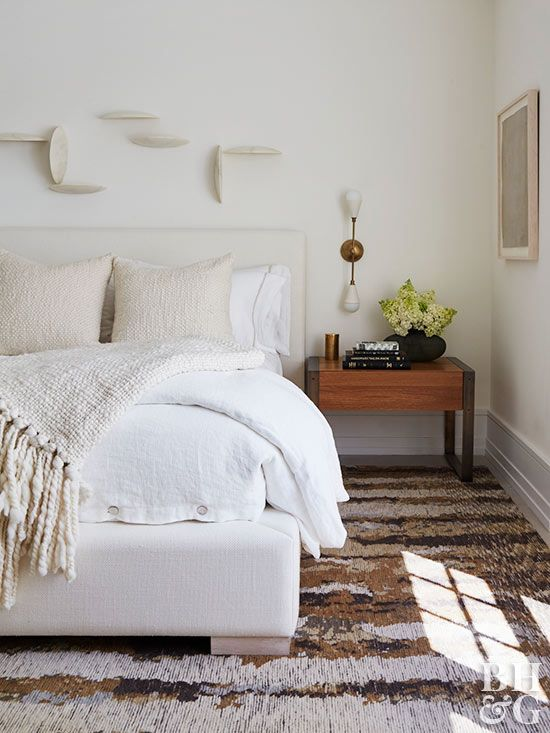 White Bedroom Ideas That Are Anything But Boring White Wall Bedroom White And Brown Bedroom White Bedroom Furniture