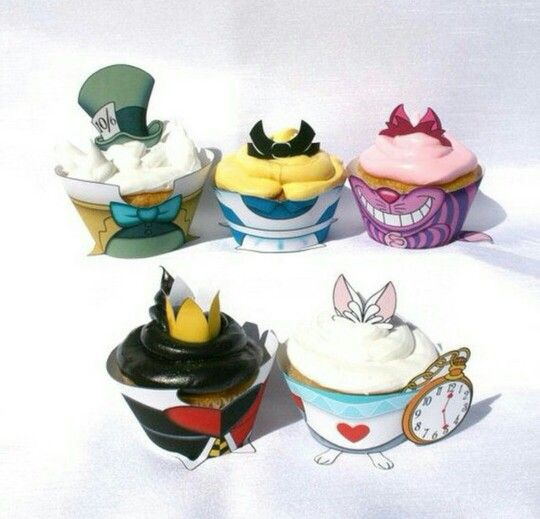 Alice in Wonderland Cupcakes!!