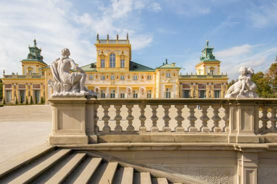 Palac W Wilanowie Jeden Z Najwazniejszych Zabytkow Polskiej Kultury Narodowej Rezydencja Jana Iii Sobieskiego Dzieki Star Palace Battle Of Vienna Mansions