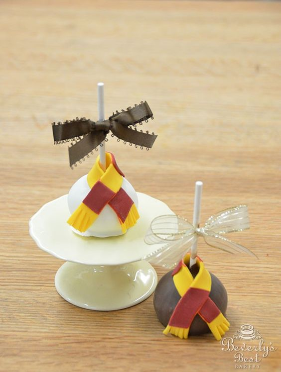Harry Potter Cake Decorating Kit Uk : Harry Potter Cake Pops by Beverly s Bakery Cake Pops Pinterest Mouths, Best bakery and ...