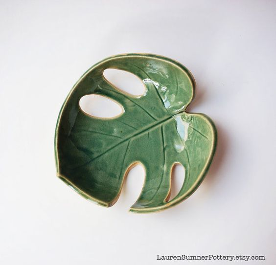 Green Leaf Philodendron Bowl, Pottery, Ceramic - Handmade - Fruit Bowl, Soap Dish, Spoon Rest, Pretty Bowl