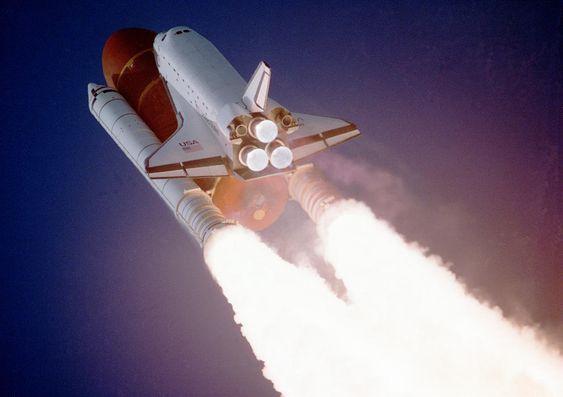 Las fotos más impresionantes de los archivos de la NASA. Fotogalerías de Tecnología. En los años 60 y 70, el cielo era el límite, literalmente. La carrera espacial cogía carrerilla y la NASA se convertía en uno de los