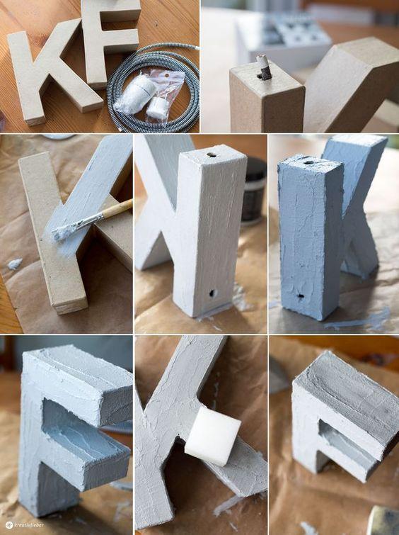 Buchstabenleuchte mit Textilkabel und Beton Effekt