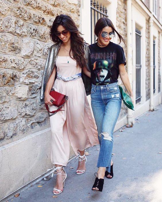 Walking on the city lights!  O clique do dia com essa dupla que estou simplesmente amando ver juntas em Paris!  The coolest girls @luizabsobral e @camilacoelho durante semana de moda mais tradicional do mundo!  #FhitsParis #FhitsTeam #FhitsLove #PFW