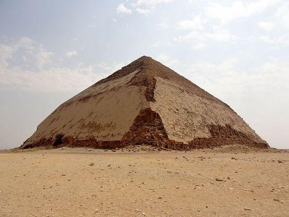 Physiker beginnen Myonen-Scans in Pyramiden von Dahschur und Gizeh . . . http://www.grenzwissenschaft-aktuell.de/myonen-scans-in-pyramiden20151219 . . . Abb.:O.Tausch, CCby3.0