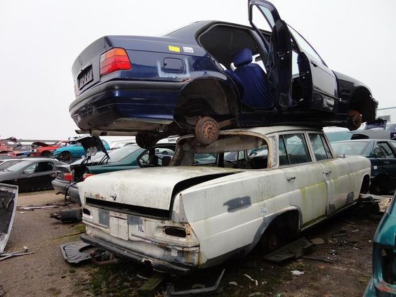 Mercedes w110 bmw fahrzeug pinterest photos and bmw for Mercedes benz scrap yard