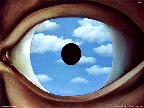 """El espejo falso (1928) explora la misma idea: el ojo, como un falso espejo, reflejando las nubes blancas y el cielo azul pintados de forma realista.  Desde el punto de vista psicoanalítico, el espejo representa la confusión de identidad del falso yo. Esta confusión se da en el espectador en el momento de contemplar la obra, al no saber si """"está viendo un reflejo del cielo o si mira el cielo a través del ojo"""" o """"si el ojo del cuadro nos mira a nosotros o al cielo"""""""