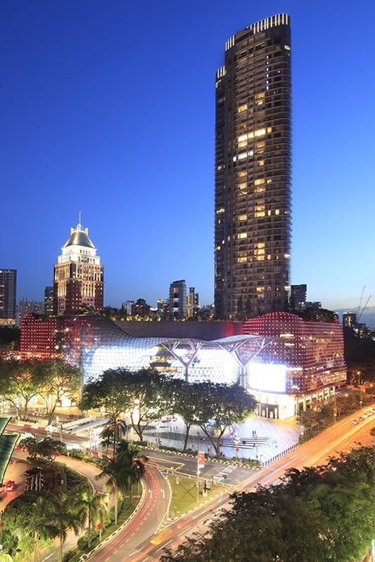 Distance shot of ION Orchard in the evening
