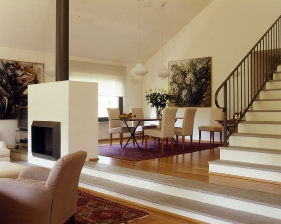 """Un soggiorno """"commentato"""". Tra mobili d'epoca e design moderno - Cose di Casa"""