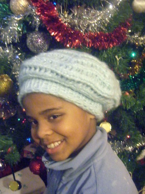 Snowflake Beret (loom-knit) pattern by Helen Jacobs-Grant When I have time....