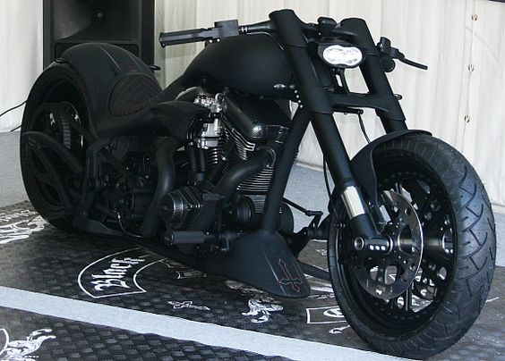 Harley-Davidson Custom....minus the inverted cross & I just fell in love again <3