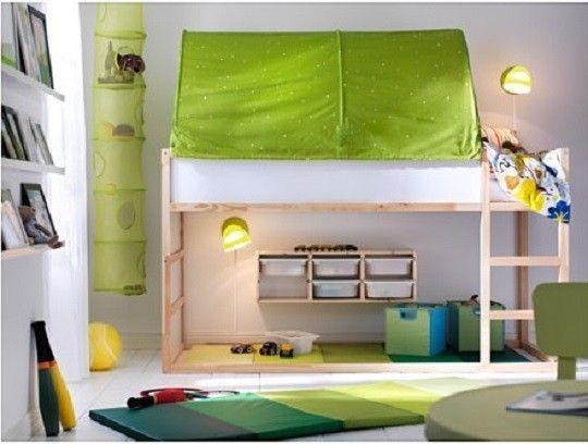 Chambre D Enfant Lit Reversible Kura Par Ikea Small Kids Bedroom Ikea Kura Bed Kid Beds