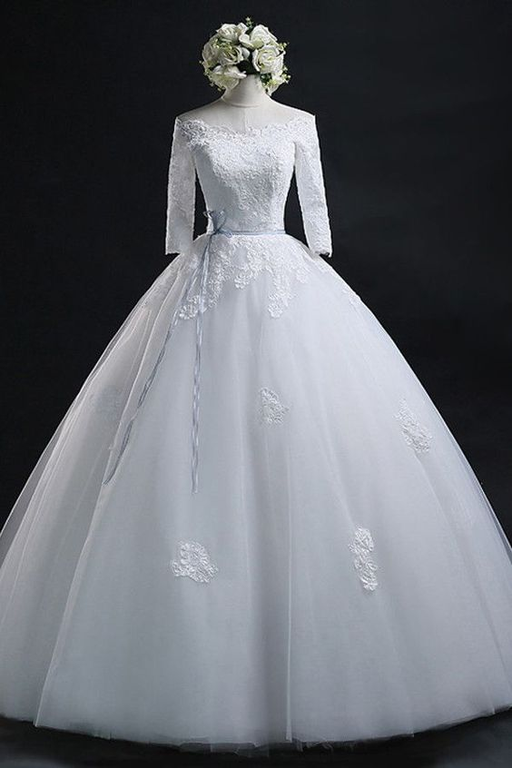 Scoop Ball Gown Bateau Long Tulle Wedding Dress With Lace WD013
