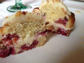 Sonntagskind: Weißer-Schoko-Cupcake mit Himmbeeren