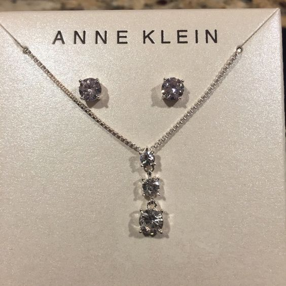 NWT'S Anne Klein boxed set. 🆕Anne Klein boxed set- necklace and studs. Anne Klein Jewelry