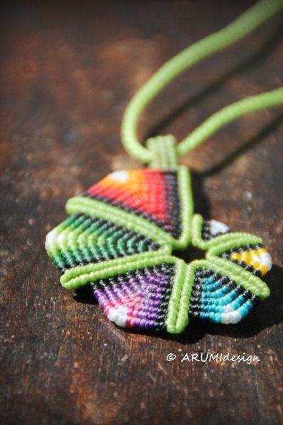 Pequeño colgante de fibra verde RAINBOW espiral por ARUMIdesign