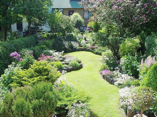 What You Can Do Yourself To Make Landscaping A Cinch Small Tropical Gardens Small Backyard Landscaping Backyard Landscaping
