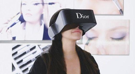 """Realidad Virtual Y El futuro Del """"shopping"""" (Comprar) Sin Salir De Casa - http://realidadvirtual360vr.com/realidad-virtual-y-el-futuro-del-shopping-comprar-sin-salir-de-casa/ -  El año 2016 se recordará en los anales de lahistoria como el año después de V.R. o bien lo que es lo mismo, Realidad Virtual en sus siglas en el idioma inglés. El motivo es una hiper focalización adentro del mercado de los aparatos o bien dispositivos móviles electrónicos, sean """"v."""