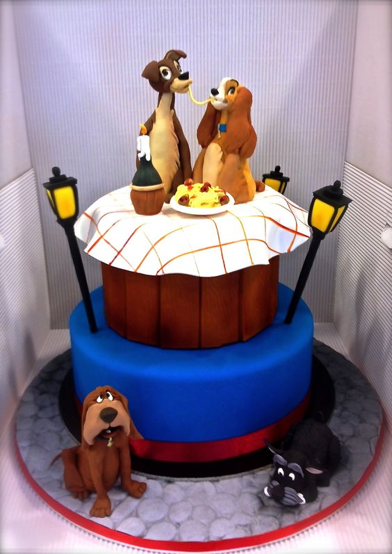 Disney-Lady and the Tramp. View more cool fan inspired cakes at Suburban Fandom's Fan Cakes board http://pinterest.com/SuburbanFandom/fan-cakes/: