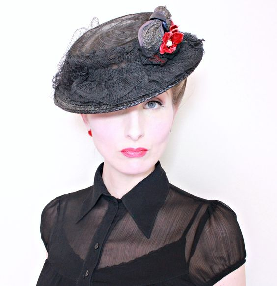 1930s Vintage Hat / 30s Boater Hat / Horsehair / Tulle Ruffles / Flowers by HighHatCouture on Etsy