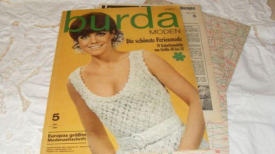 Schnittmusterheft Nr. 5 Mai 1968.  *Die schönste Ferienmode*  74 Schnittmodelle von Gr. 36 bis 52.    Großformatige 150 Seiten.  Vollständige Ausga...