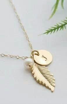 Papriika,Design Collar con dos dijes y medalla en plata ,Inducar iniciales, $280