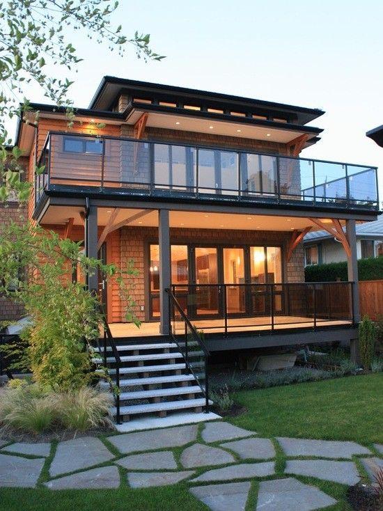 17 Superbes Idees De Maison En Verre Avec Balcon House Designs Exterior Wooden House Design House Architecture Design