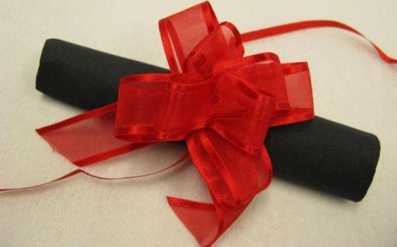 Confezione da 6 fiocchi a tirare rossi su VegaooParty, negozio di articoli per…