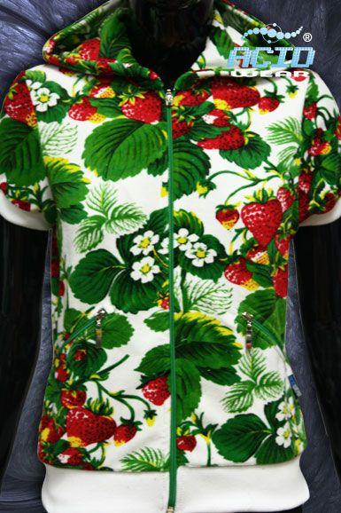 «КЛУБНИКА» Жилетка женская на молнии http://www.acidwear.ru/index.php?id=4046