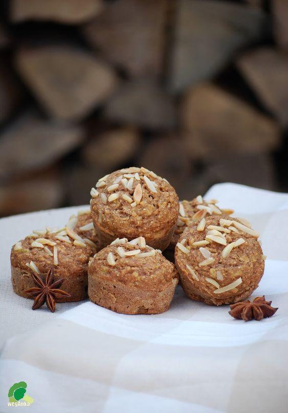 #babeczki cynamonowo-jabłkowo-orzechowe | vegan cupcakes with apple, nuts & cinnamon.