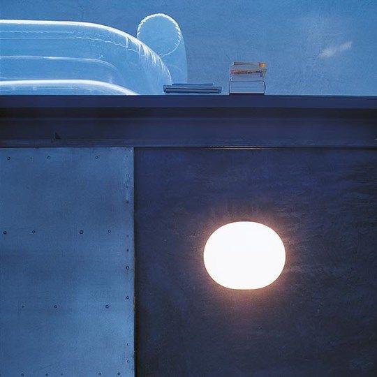 Glo-Ball W: Lernen Sie das Modell Glo-Ball W kennen, eine Wand- und Deckenlampe von Flos