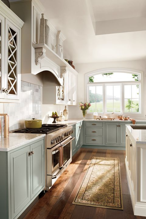 10 Kitchen Cabinet Color Combinations You Ll Actually Want To Commit To Country Kitchen Designs Kitchen Trends Farmhouse Kitchen Design