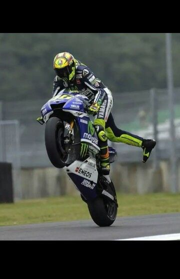 valentino rossi ndash wheelie - photo #9