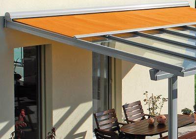 Glasdach mit integrierter Markise versus Regen und Sonne