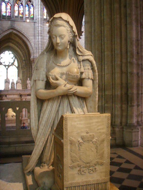 """""""Túmulo de Marie Antoinette"""". (Maria Antonieta). Basílica de Saint-Denis."""