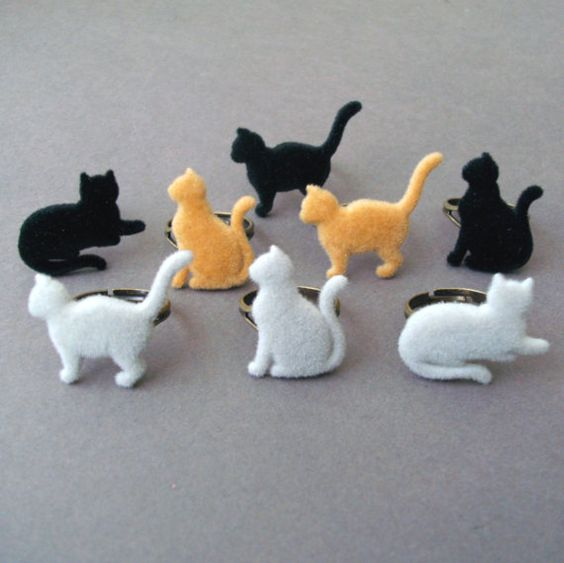 furry cat rings by TemporalFlux (etsy) found via domesticsluttery.
