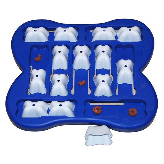 Give your dog some challenging fun with this interactive treat search game. Your dog looks for treats by moving blocks in four different directions and the block can only be lifted at the end of each