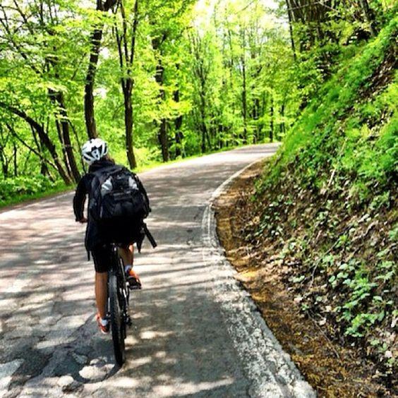 Em algum lugar nos Montes Apeninos... 20km de bike, eu consegui! - Instagram by @alexandraaranovich