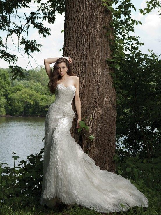 Sheath / column sleeveless chiffon floor-length bridal gown