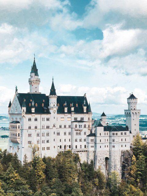 Schloss Neuschwanstein Tickets So Machst Du Es Richtig Reiselife Schloss Neuschwanstein Neuschwanstein Wanderwege Bayern