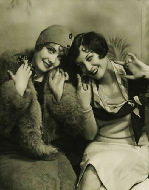 Pin By Pilar Orive On Classic Hollywood Divas Joan Crawford Flapper Girl Crawford