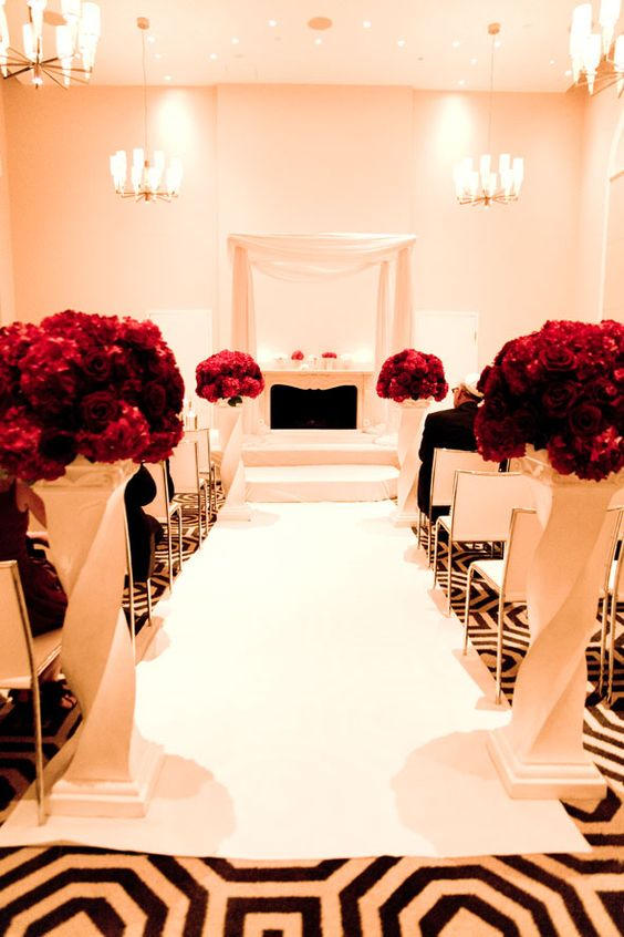 A black, white and red wedding never looked so good! click to see the entire glamorous wedding!: Rich Color, Red Beautifully, Black Wedding, Black Red, Glamorous Wedding, Red Flowers, White Weddings, Black White And Red Wedding, Black White Red