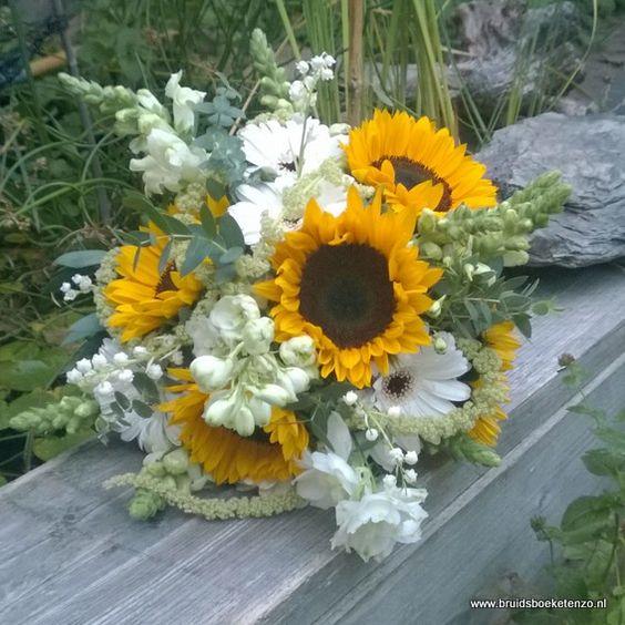 bruidsboeket veldboeket geel wit zonnebloem gerbera