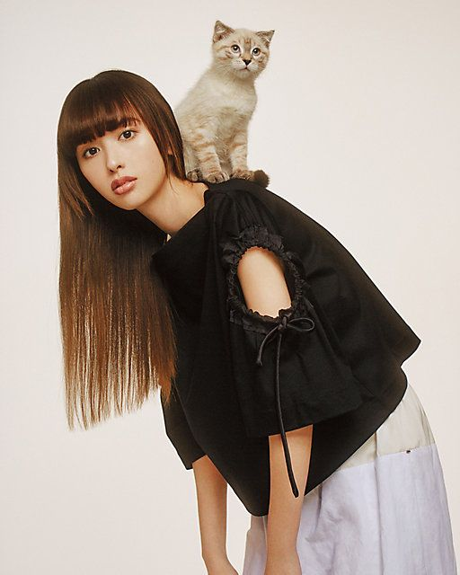 猫と仲良しな鈴木えみ
