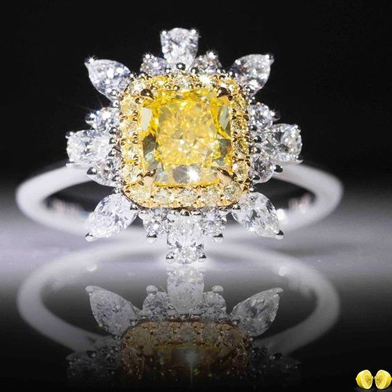 Novel Collection. Fancy yellow diamonds are one of our favourites and this ring is another magnificent creation from our talented design team! Contact us for your fancy color diamonds inquiries! 🍋🍋 #Novel #NovelCollection #NovelCollectionAsia
