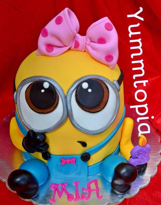 Minion girl cake